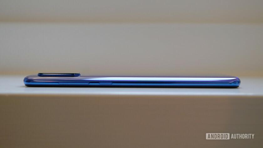 Xiaomi Mi 9 боковой профиль камеры наклона